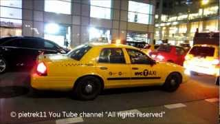 getlinkyoutube.com-NYPD responding taxi yellow cab undercover New York police car night & lights ©