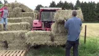 getlinkyoutube.com-how to make grass into hay bales