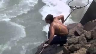 getlinkyoutube.com-Nehirde görülmemiş balık avı - http://balikavciligi.org/