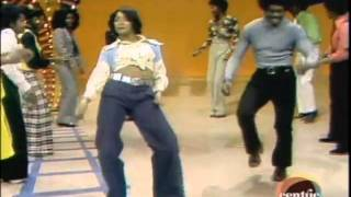 getlinkyoutube.com-Soul Train Line Jungle Boogie Kool And The Gang.mpg