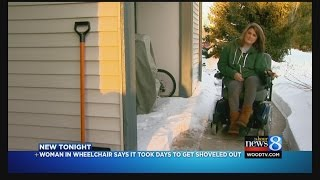 getlinkyoutube.com-Woman in wheelchair says she was stuck in apt. for days