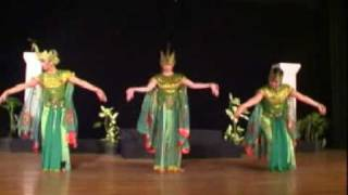 getlinkyoutube.com-TariAn Merak (Peacock Dance)