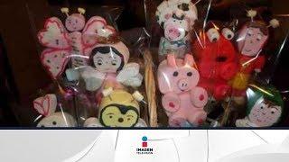 getlinkyoutube.com-Aprende hacer unas deliciosas paletas de figuras / Paletas en forma de niños con bombones