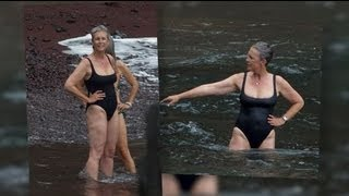 Jamie Lee Curtis Rocks a Swimsuit in Hawaii - Splash News | Splash News TV | Splash News TV