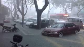 getlinkyoutube.com-Banjir kilat di bandar kuantan 24 disember 2012