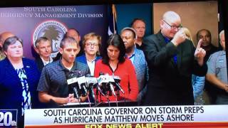 getlinkyoutube.com-Sign Language of Hurricane Matthew on Fox News