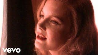 getlinkyoutube.com-Kelly Willis - The Heart That Love Forgot