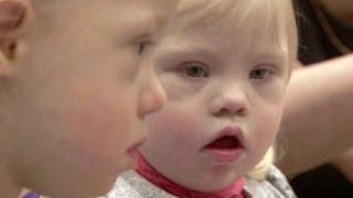 getlinkyoutube.com-Nuevo futuro para los niños Down