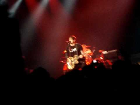 blink-182 - Carousel (live) -JY3KRUZCqd8