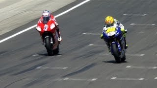 getlinkyoutube.com-MotoGP Historic Battles -- Rossi vs Stoner Laguna Seca 08'