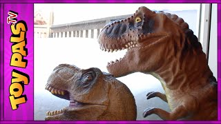getlinkyoutube.com-DINOSAUR Snowball Fight with GODZILLA, T-REX and Indominus Rex Toys Video for Kids