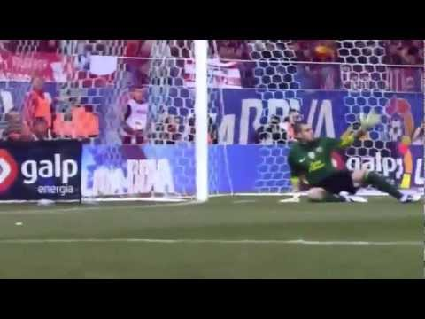 Atletico Madrid vs Barcelona 1-2 (26.02.2012) All Goals and Highlights - Amazing Messi's FREE KICK