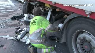 getlinkyoutube.com-Schwerer LKW-Unfall auf der A7 bei Lutterberg