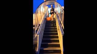 getlinkyoutube.com-Romagaga descendo do avião de Salto 30 em Belo horizonte