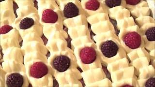 getlinkyoutube.com-Making and Cutting Black Raspberry Vanilla Cold Process Soap