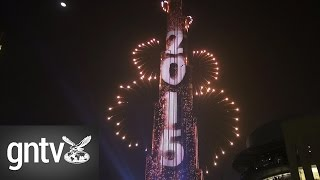 getlinkyoutube.com-Burj Khalifa New Year Fireworks 2015