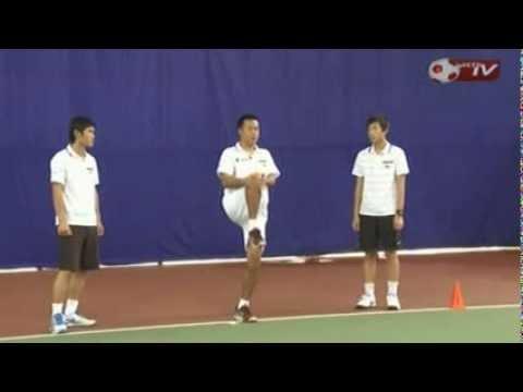 Học tennis qua video tập khởi động