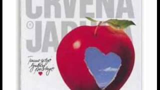 Crvena jabuka-tamo gde ljubav pocinje