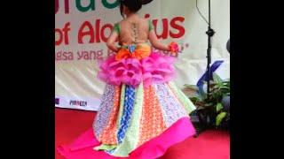 getlinkyoutube.com-Nita Falia, postur anggun. Lomba Fashion Show Anak-anak di SD Aloysius Semarang 13 Feb 2016