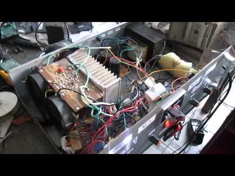 Mostrando o interior do amplificador caseiro de 1000w
