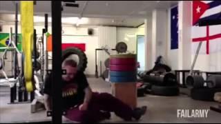 getlinkyoutube.com-Videos del gimnasio para reir - Cosas graciosas en el gym Epic Fails Gym