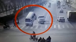 getlinkyoutube.com-LiveLeak - Bizarre accident with vehicle tail left in air by unknown force