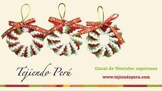 getlinkyoutube.com-Coronas de Navidad hecha de resortes tejidos a crochet