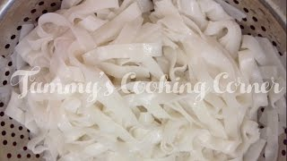 getlinkyoutube.com-How To Cook Flat Rice Noodles  | Cách Luộc Bánh Phở