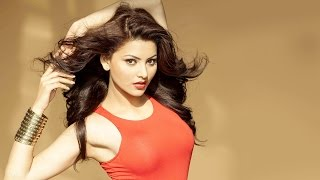 getlinkyoutube.com-Urvashi Rautela's H0T Braless Photoshoot