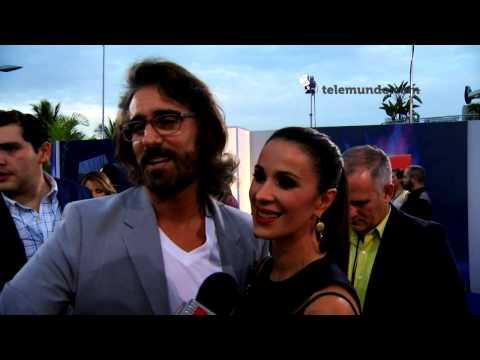 Premios Tu Mundo | Miguel Varoni y Catherine Siachoque | Telemundo