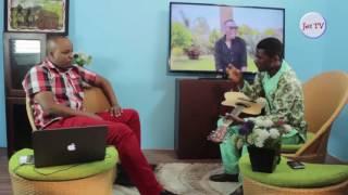 Uncle Jimmy akiitaji kujua tofauti iliyopo kwenye wimbo wa Fahari Yangu wa Jordan Band na John Amigo