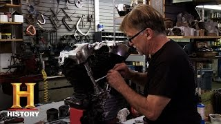 getlinkyoutube.com-American Restoration: Dale Disassembles a Knucklehead Engine | History