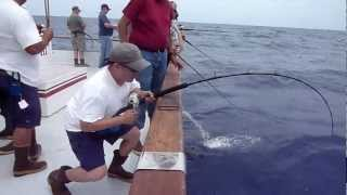 getlinkyoutube.com-Red Rooster 3 - Rob's yellowfin tuna 113.8lb - Full video