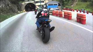 getlinkyoutube.com-Triumph Street Triple R chasing... faster bikes (S1000RR , ZX10R & MT09)
