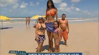 getlinkyoutube.com-Tudo a Ver 22/08/2012: Garota de 16 anos e 2 m de altura chama a atenção de todos no Pará