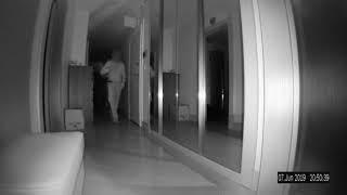 Kadıköy'de hırsızlar kameraya yakalandı