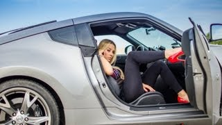 getlinkyoutube.com-Nissan 370z NITRO vs drifting fast driving girl: Lady Fairlady Z