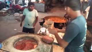 getlinkyoutube.com-Indian Dhaba Food - Tandoori roti and mutton curry