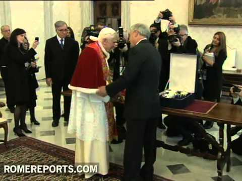 Pope meets with President of Chile Sebasti�n Pi�era in the Vatican