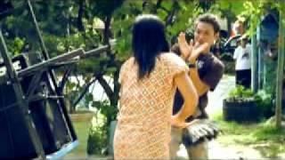 getlinkyoutube.com-video clip The Dhangduters GARA GARA DIA.avi