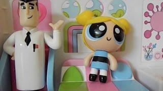 getlinkyoutube.com-POWERPUFF GIRLS Bubbles and Professor Utonium Flip to Action Playset Toy Review