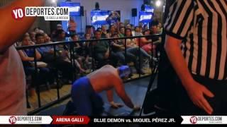 Blue Demon vs. El Boricua Miguel Perez Jr.  Arena GALLI