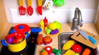 getlinkyoutube.com-Learn Names of Fruits and Vegetables with toy velcro cutting food & Masha and the Bear