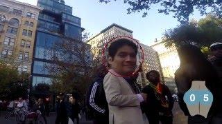 getlinkyoutube.com-Mujer usa cámara en su trasero para delatar a quienes la observan en la calle