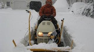 getlinkyoutube.com-Cub Cadet Tractor-mounted Snow Thrower Operating