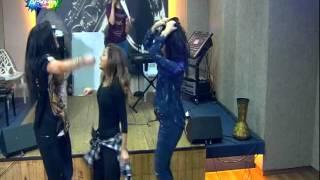 getlinkyoutube.com-حنان ومابيل ودينا بيرقصو على اغنية - إسمعني ـ ستار اكاديمي 11