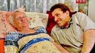 getlinkyoutube.com-Она ему в матери годится - Странная любовь