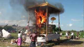 getlinkyoutube.com-Indonesia Bali Kutri Cremation Ceremony July 2012