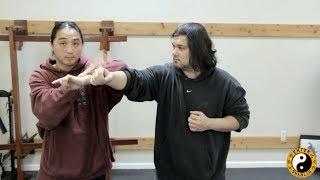 getlinkyoutube.com-Wing Chun Mook Yan Jong - Complex Training Technique (Wooden Dummy Drill)