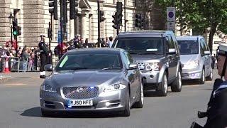 getlinkyoutube.com-Police Escorting David Cameron into Parliament